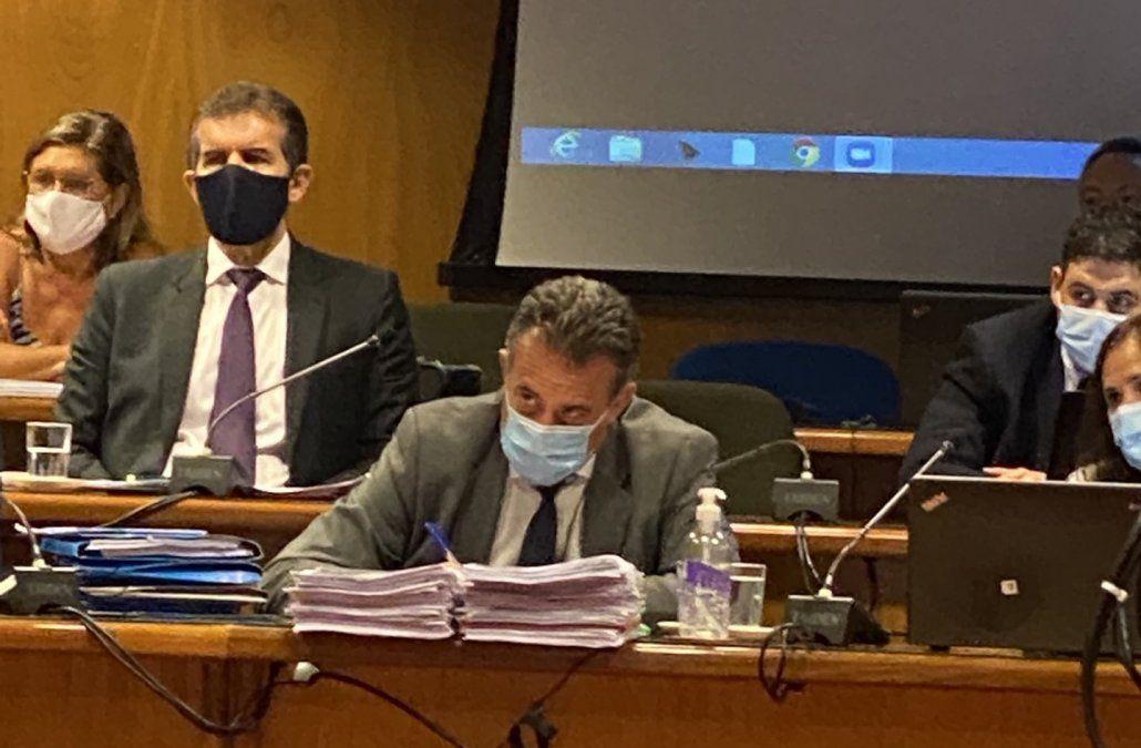 El Frente Amplio llevará al ministro Salinas (foto) al Senado para ser interpelado.