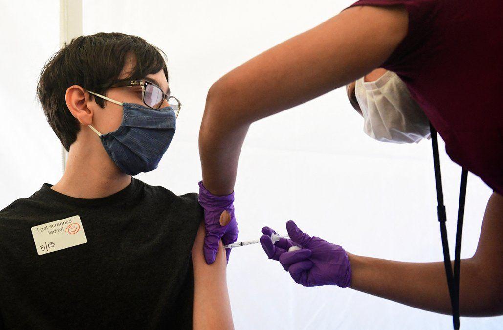 Foto: Vacunación a adolescentes en Estados Unidos/Archivo/AFP