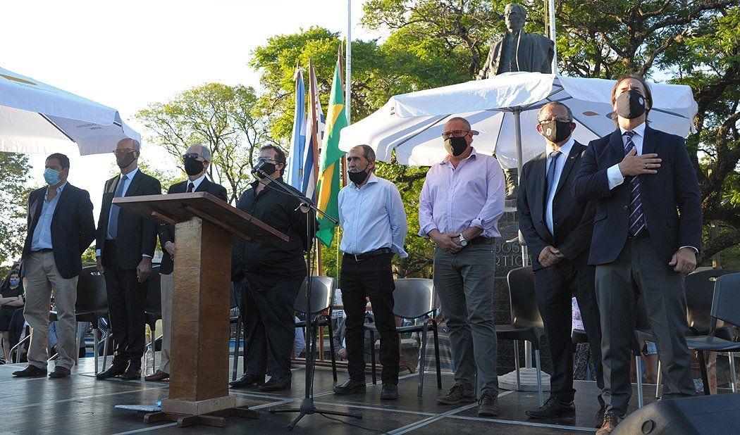 Lacalle Pou inaugura  zafra de azúcar en Bella Unión, ciudad estratégica para el gobierno