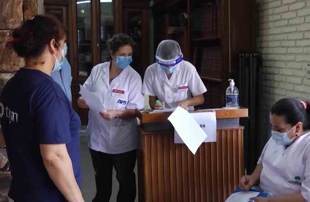 Salud Pública busca completar la vacunación en residenciales de todo el país