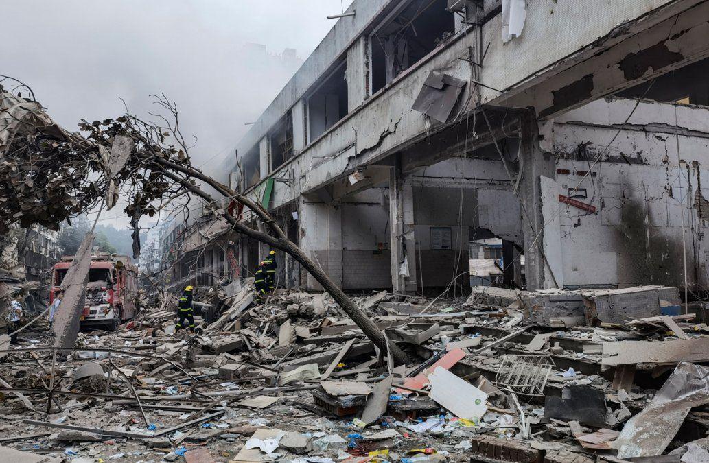 Explosión de gas mata al menos a 12 personas en China