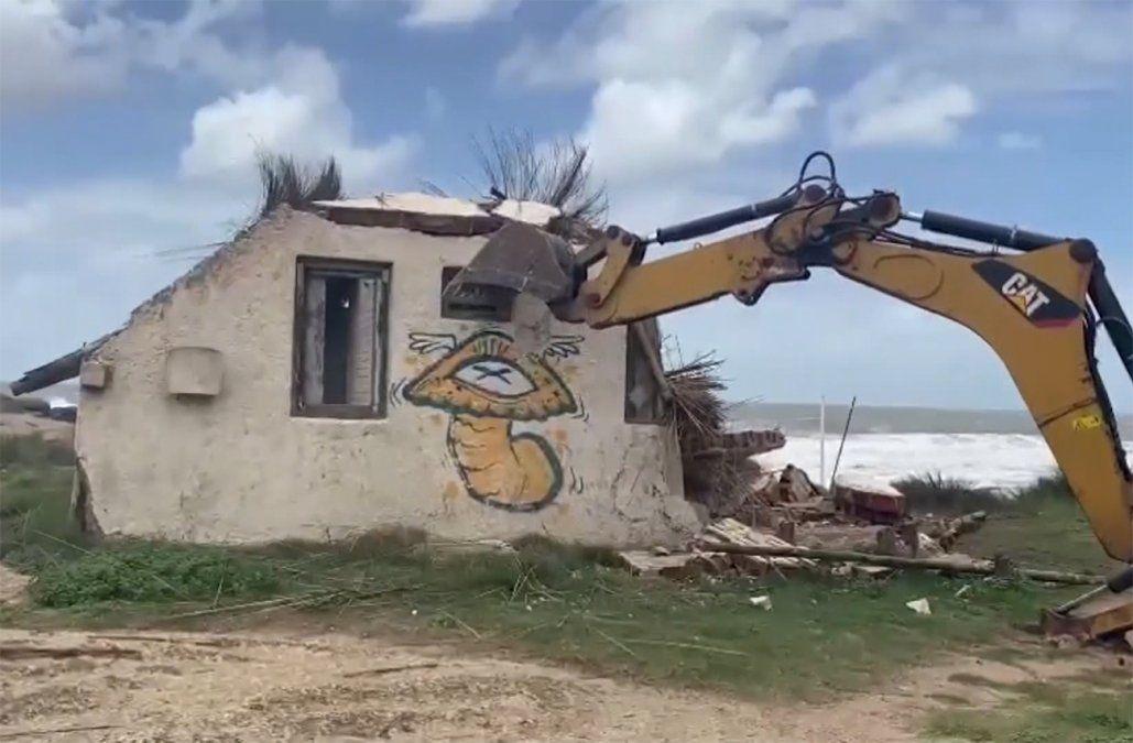 Punta del Diablo: anuncian nuevas demoliciones de casas construidas en espacios públicos