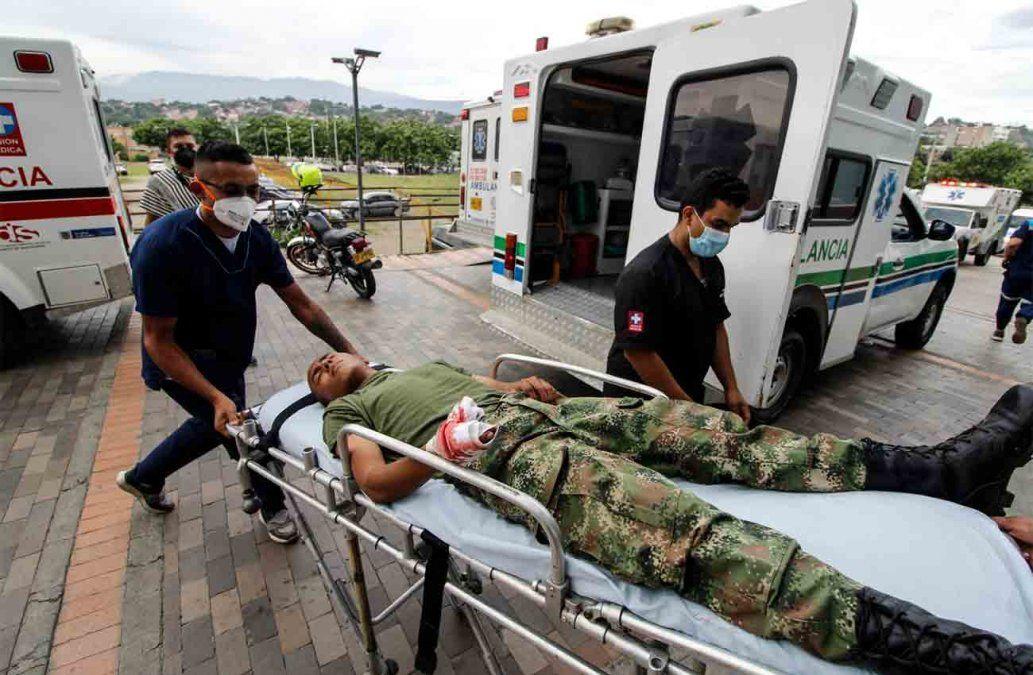 Ataque con coche bomba deja 36 heridos en unidad militar en Colombia