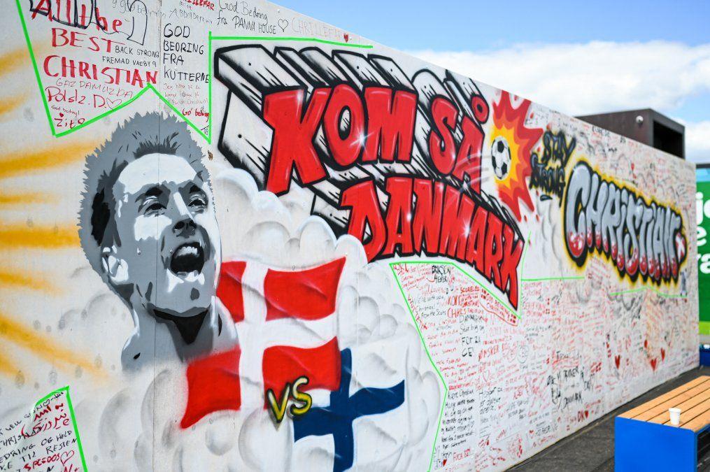 Homenaje a Eriksen en un muro de Copenhage tras su crisis de salud