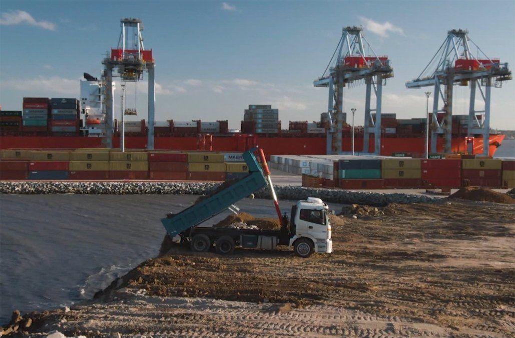 Puerto de Montevideo duplicará en capacidad de carga al de Buenos Aires en los próximos años