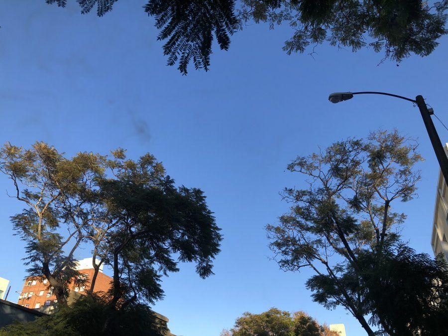 Domingo frío y algo nuboso, con períodos de claro