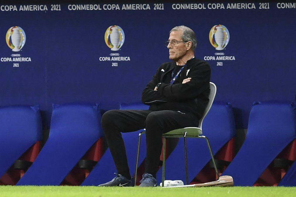 Previo al partido con Chile, Tabárez reconoció que el problema principal de Uruguay es la carencia de juego ofensivo