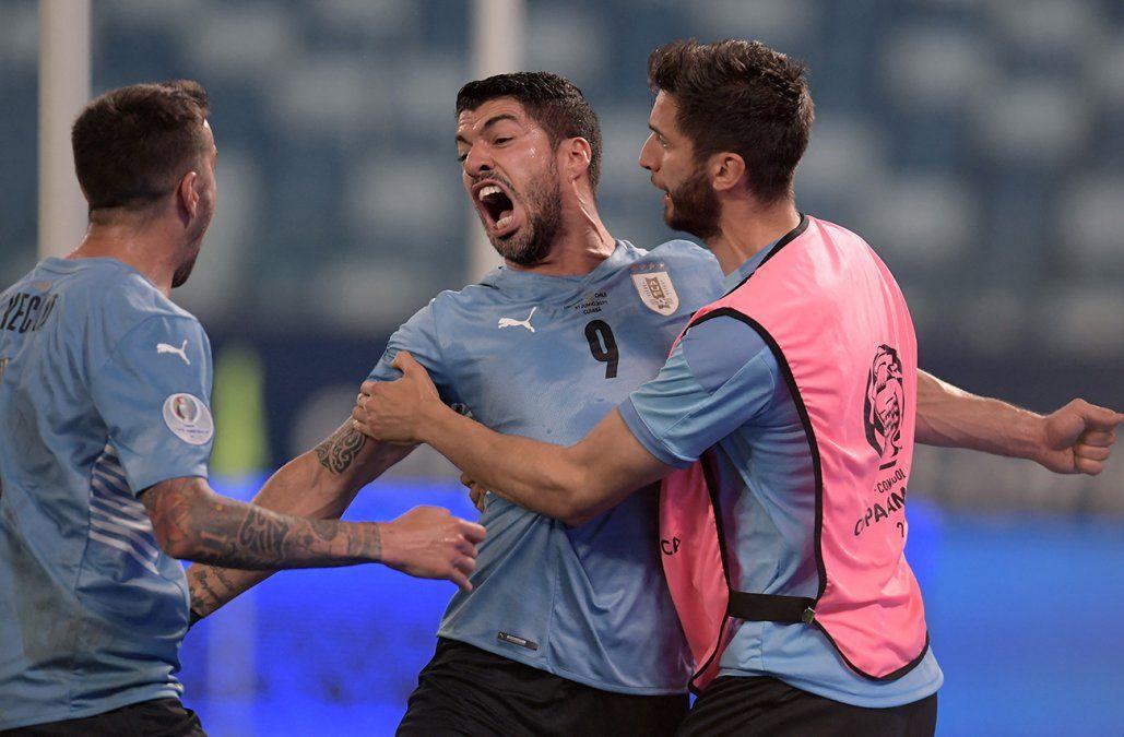 Uruguay mejoró el juego pero empató con Chile: 1 a 1 con gol de Luis Suárez