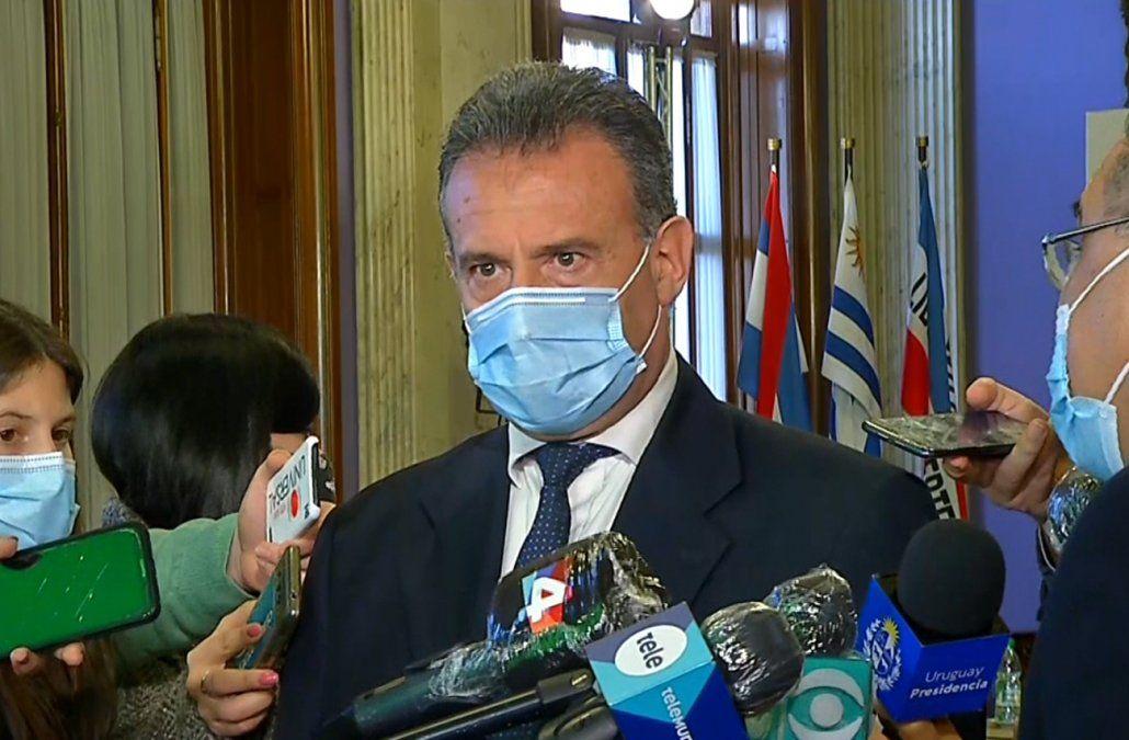 Gobierno modifica decreto que exime de cuarentena a quienes ingresan a Uruguay