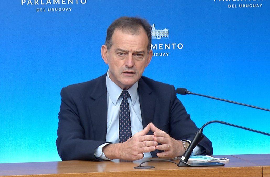Cabildo Abierto propone bajar el IVA y eliminar beneficios tributarios al sector forestal