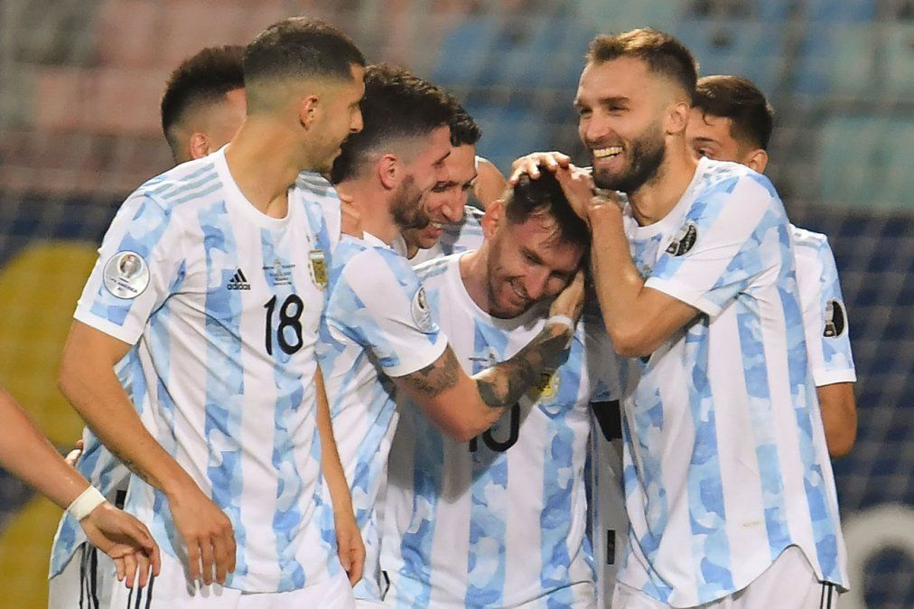 Argentina goleó a Ecuador y clasificó a las semifinales de la Copa América