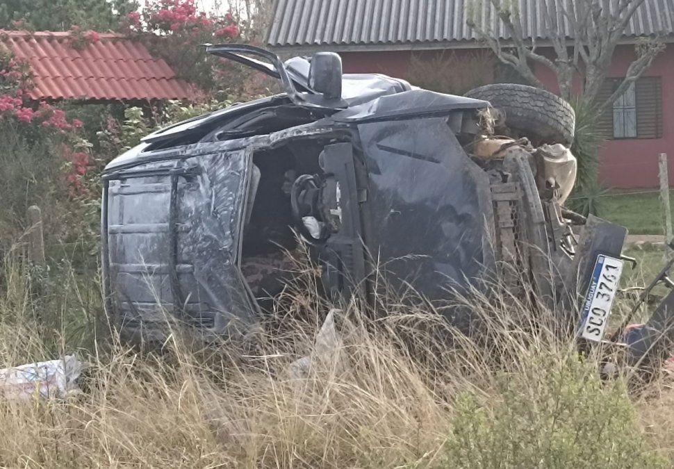 Una mujer falleció y otras cinco personas heridas en un accidente