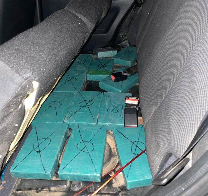 Persecución y tiroteo en operativo antidrogas: incautaron 19 kilos de cocaína