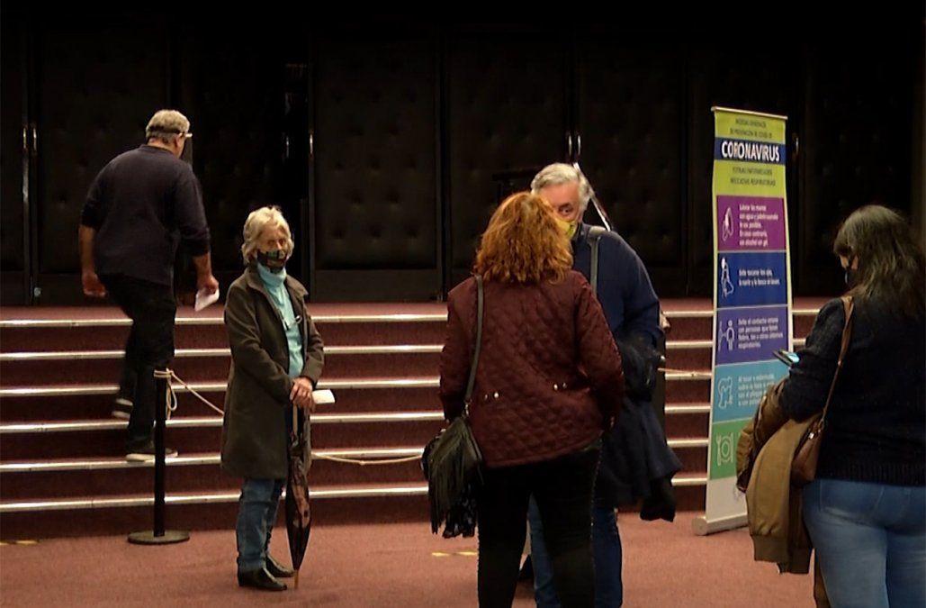 Regresan los espectáculos públicos con teatro, cine y música
