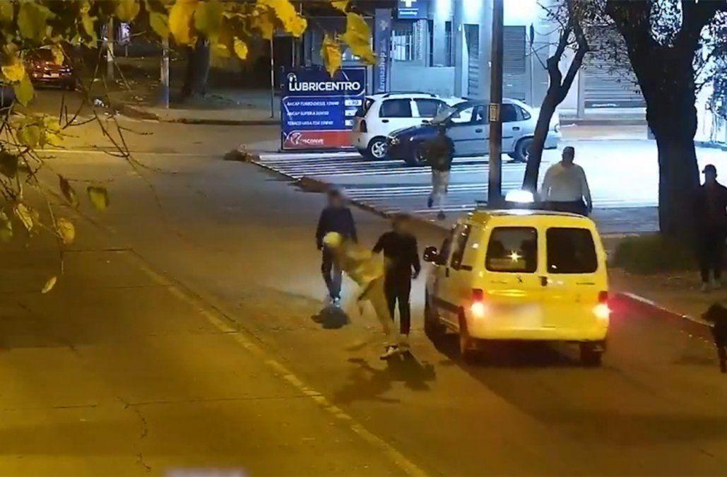 Hurtos y rapiñas: hombre y mujer detenidos tras destrozar autos para intentar robarlos