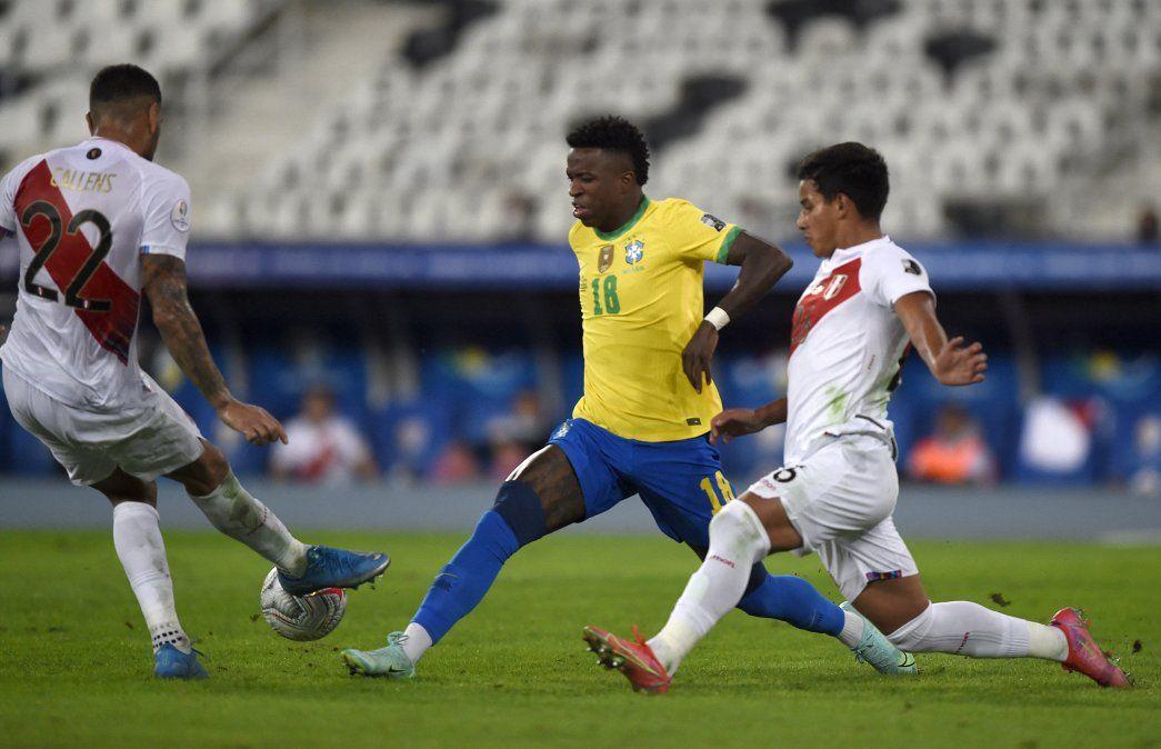 Vinicius Jr. ingresó en Brasil y mostró todo su talento. Perú no fue el mismo rival que perdió por 4 goles en el debut