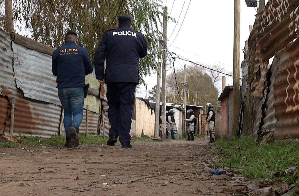 Hallan cadáver de un hombre debajo de casa en construcción en asentamiento de Punta de Rieles