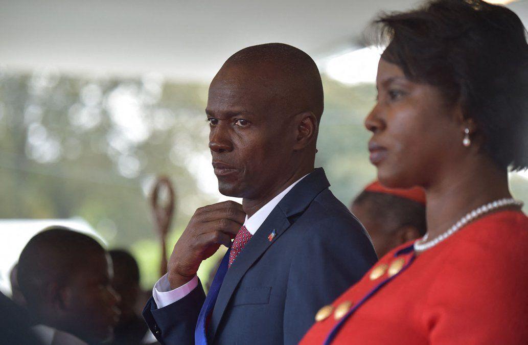El presidente Jovenel Moise y su esposa