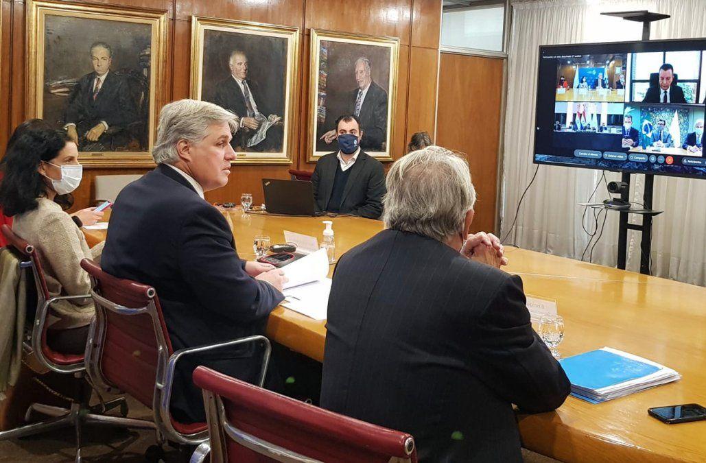 Uruguay anunció inicio de conversaciones con terceros en busca de acuerdos fuera del Mercosur