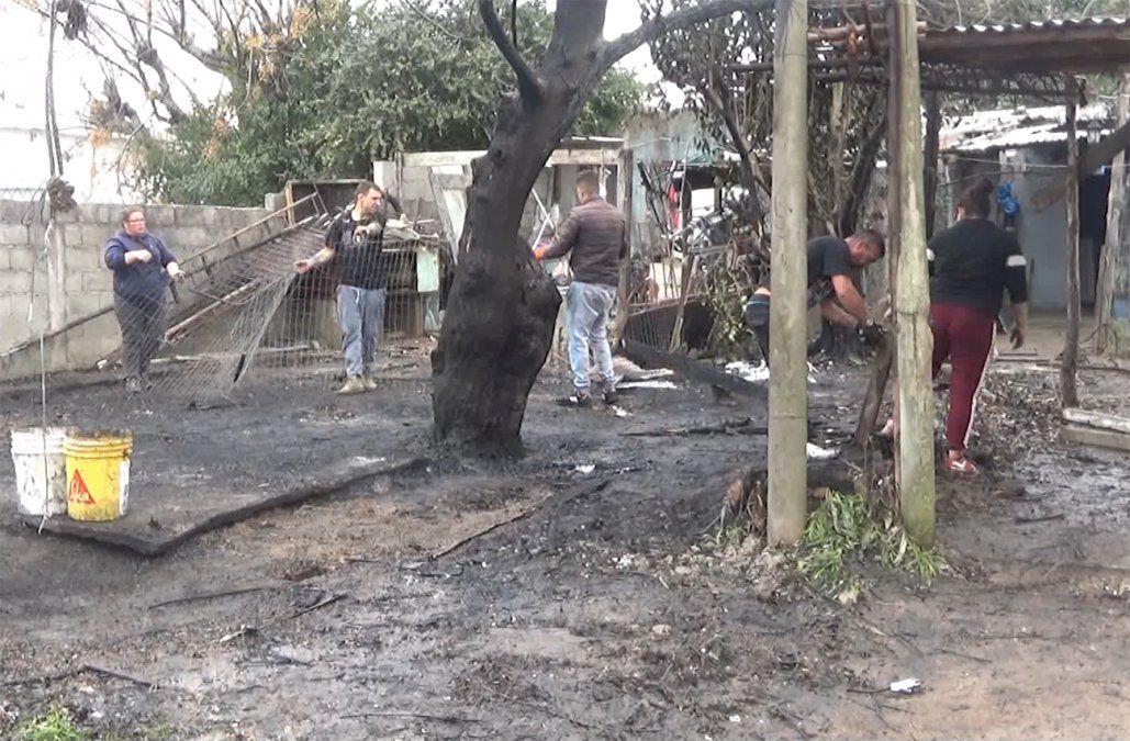 Un hombre murió en el incendio de su casa y la familia pide ayuda porque quedó sin nada