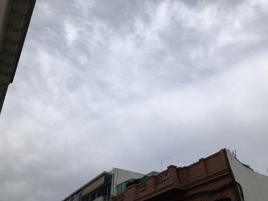 Sábado nuboso con máximas entre 17 y 21ºC, en todo el país