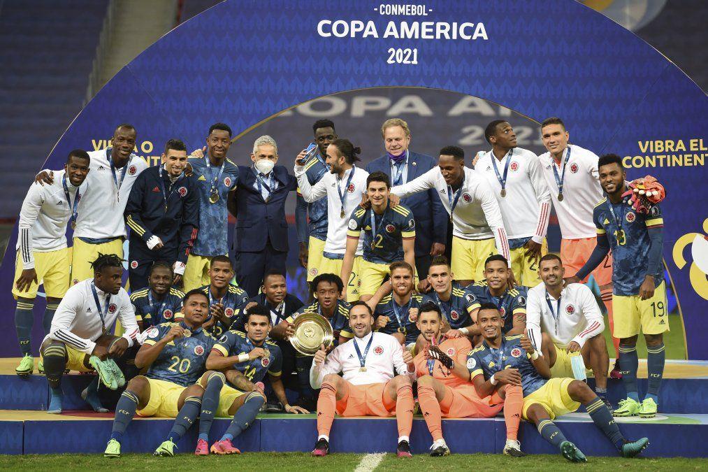 Colombia es tercero en Copa América-2021 al derrotar 3-2 a Perú