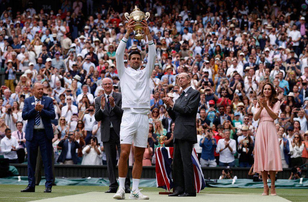 Djokovic gana Wimbledon e iguala los 20 Grand Slams de Federer y Nadal