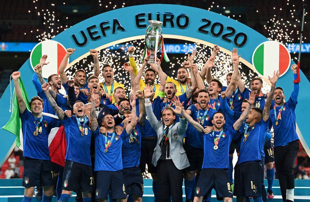 Italia gana la Eurocopa al ganarle a Inglaterra por penales