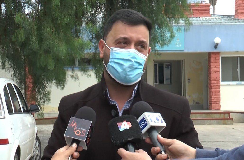 Lucas Sugo cantó en el Hospital de Rivera en homenaje a los trabajadores de la salud