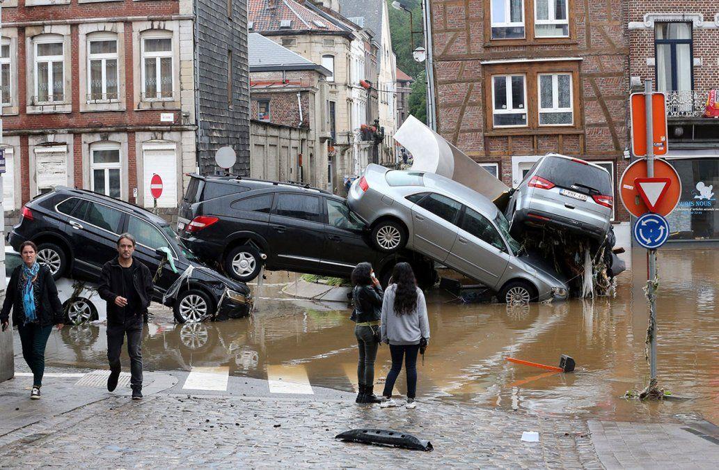 Impresionantes inundaciones en Bélgica dejan al menos cuatro muertos y múltiples destrozos