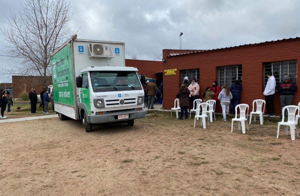 El vacunatorio móvil de la Intendencia comenzó a funcionar hoy en Casavalle