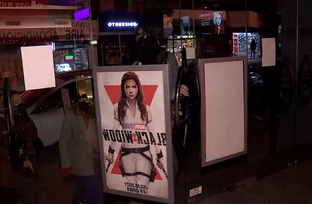 Black Widow comanda la taquilla local en el fin de semana de reapertura de los cines