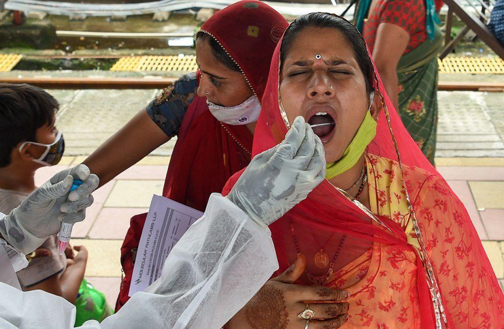 Muertes por covid-19 en India serían hasta 10 veces más que las oficiales, según un estudio