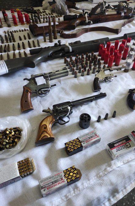 Incautan peligroso arsenal que tenía como destino bandas de delincuentes