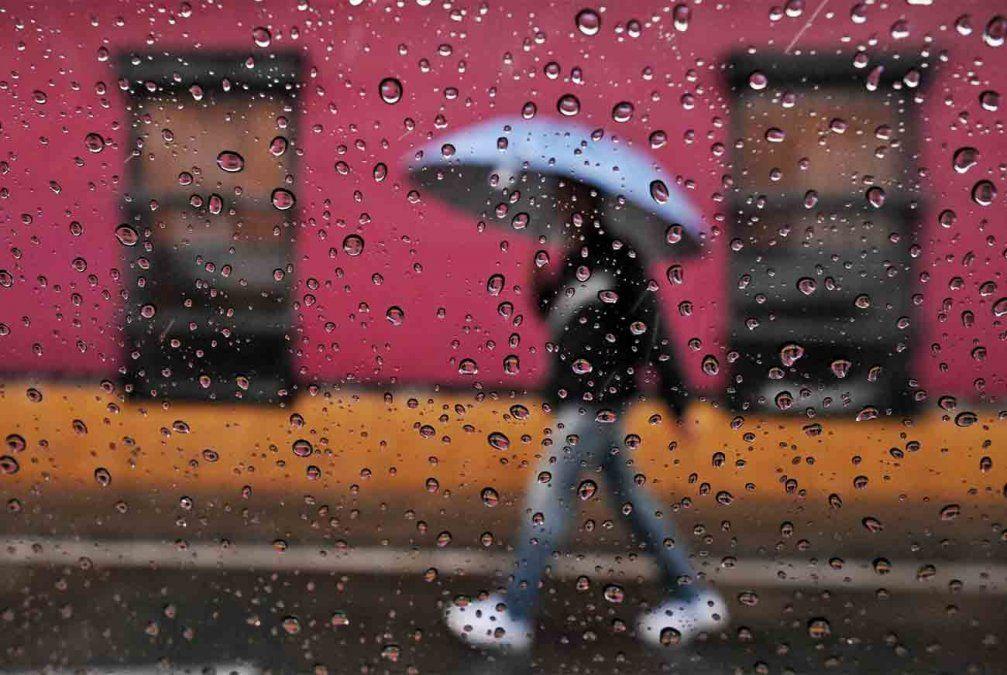 Alerta amarilla por tormentas fuertes para la mitad norte del país