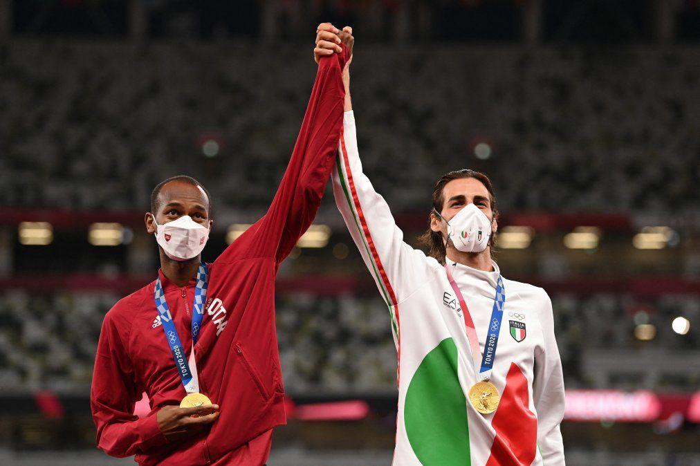 Campeones de la vida: empataron en salto en alto y compartieron medalla de oro sin ir a desempate