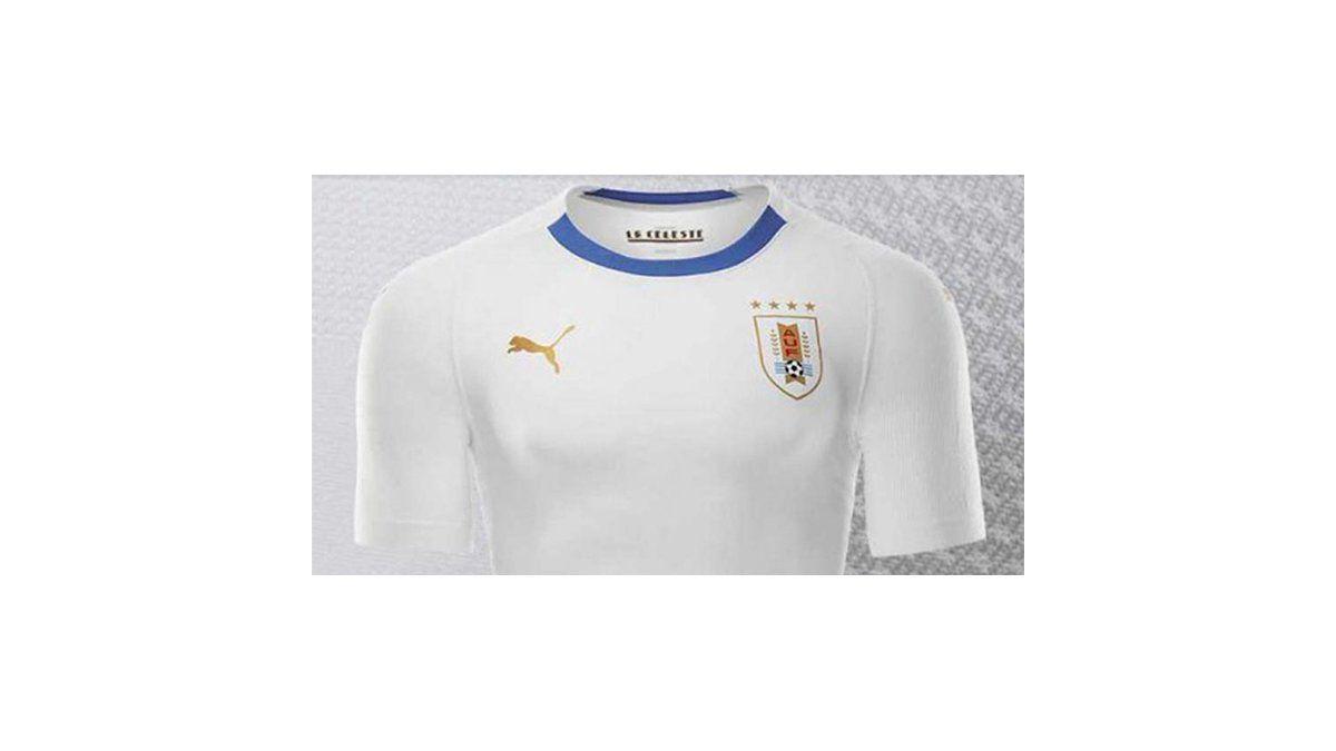 a9da3f20 Selección uruguaya presentó la camiseta alternativa que utilizará en Rusia