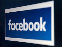 altText(Facebook se defiende de haber transmitido datos a los fabricantes de celulares)}