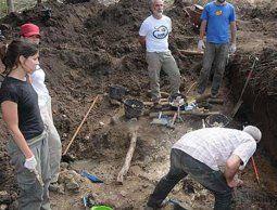 Buscan con georradar más enterramientos de la dictadura en el Batallón 14