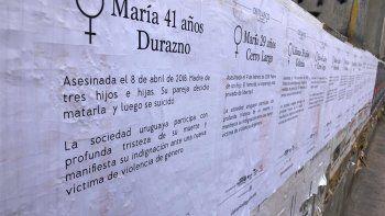 "Uruguay amaneció empapelado con ""obituarios de género"""
