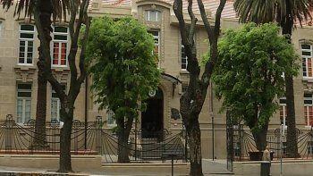 Obras en el techo de Escuela Brasil se extenderán hasta enero