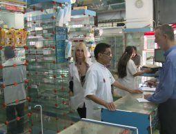 altText(Funcionarios de Cancillería viajaron con medicinas para los uruguayos en Venezuela)}