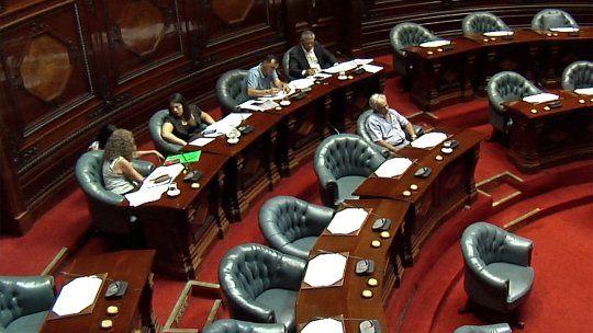 Con votos del FA, Parlamento respaldó actuación del gobierno en crisis de Venezuela