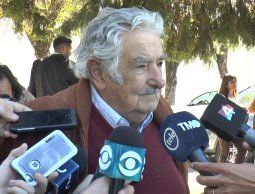 altText(Expresidente Mujica: