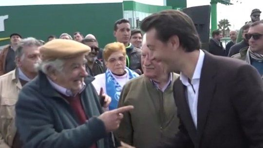 """Mujica a las risas con Juan Sartori: """"te van a pegar eh, ja ja"""""""