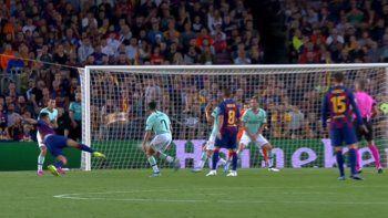 Con un doblete, Suárez lo dio vuelta y le ganó el duelo al Inter de Godín