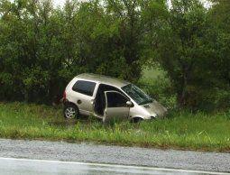 Cargaron combustible y compraron vino, se fueron sin pagar y a los pocos kilómetros se accidentaron
