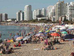 Comisión de lucha contra el cáncer hace hincapié en los cuidados y protección solar