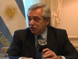 altText(Fernández puso en suspenso reunión con Bolsonaro en Uruguay)}