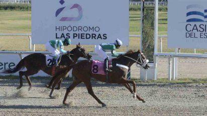 """Las Piedras: """"Emperor Hulk"""" ganó el Gran Premio Jockey Club"""